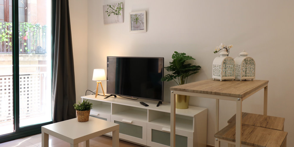 Before and after transform your tourism apartment in Barcelona - Lodging Management